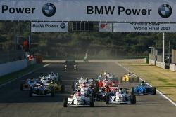 Start, Philipp Eng, Mücke Motorsport leads Jens Klingmann, Eifelland Racing