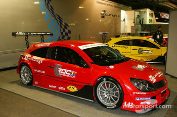 Solution F touring cup cars