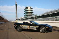 The 30th anniversary commemorative edition Pace Car features a paint scheme that pays homage to the original Corvette Indy 500 Pace Car of 1978, which became an instant classic and collectors' item