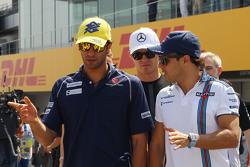 Felipe Nasr, Sauber F1 Team com Felipe Massa, Williams no desfile dos pilotos