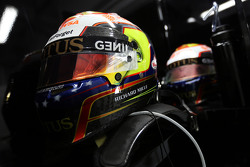 The helmets of Pastor Maldonado, Lotus F1 Team