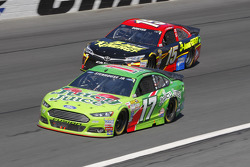 Ricky Stenhouse Jr., Roush Fenway Racing Ford and Clint Bowyer, Michael Waltrip Racing Toyota