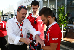 Nigel Mansell, with Alexander Rossi, Manor Marussia F1 Team and Will Stevens, Manor Marussia F1 Team