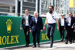 Jean Todt, FIA President with Matteo Bonciani, FIA Media Delegate on the grid