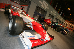 F1 pitlane display