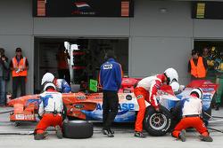Jeroen Bleekemolen, driver of A1 Team Netherlands, pitstop