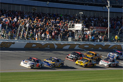 David Reutimann leads the field