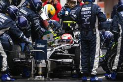 Kazuki Nakajima, Williams F1 Team, FW30 practice pitstop