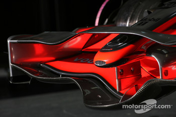 McLaren MP4-23 new front wing detail