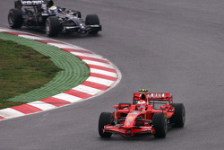 Michael Schumacher, Test Driver, Scuderia Ferrari, Nico Rosberg, Williams F1 Team, FW30
