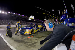 Pit stop for Ron Hornaday