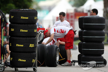 The tyres of Timo Glock, Toyota F1 Team