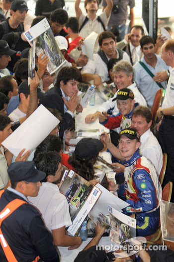 BP Ford Abu Dhabi World Rally Team drivers Mikko Hirvonen and Jari-Matti Latvala, were swamped by enthusiastic Argentinian Ford fans