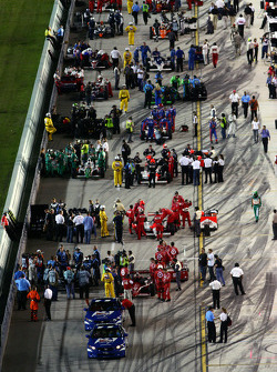 Pre race preparations on the grid