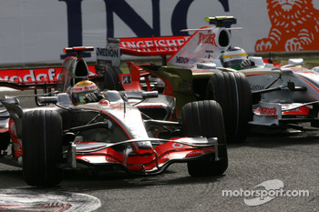 Lewis Hamilton, McLaren Mercedes, Giancarlo Fisichella, Force India F1 Team