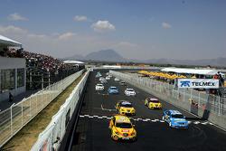 Tom Coronel, Sun Red Seat Team, Seat Leon FSI and Nicola Larini, Chevrolet, Chevrolet Lacetti