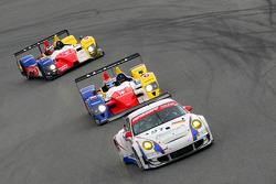 #91 Farnbacher Racing Porsche 997 GT3 RSR: Allan Simonsen, Richard Westbrook, Lars Erik Nielsen