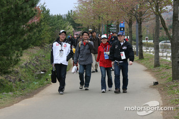 Fans arrive at Twin Ring Motegi