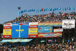 Fans of Fernando Alonso, Renault F1 Team