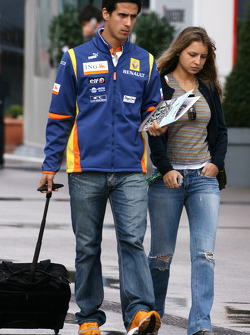 Lucas Di Grassi Test Driver, Renault F1 Team and his girlfriend