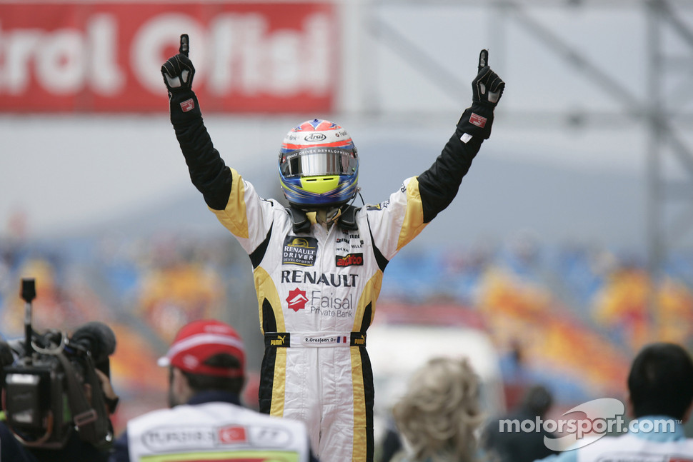 Romain Grosjean celebrates victory