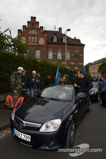 Opel drivers get ready for the parade