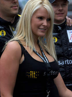 Sartorius Team Black Falcon girl