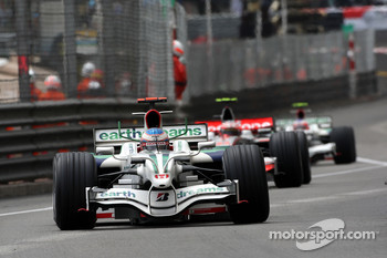 Jenson Button, Honda Racing F1 Team leads Heikki Kovalainen, McLaren Mercedes