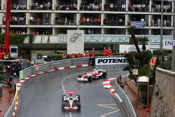 Heikki Kovalainen, McLaren Mercedes, Timo Glock, Toyota F1 Team