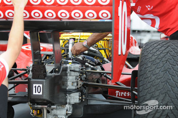Dan Wheldon's car being worked on