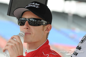 Ryan Briscoe drinking water
