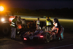 #25 RML Lola B05-40 MG: Mike Newton, Thomas Erdos, Andy Wallace crashes at Porsche curve