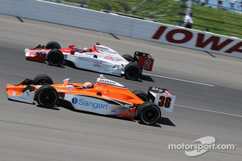 A.J. Foyt IV and Enrique Bernoldi running together