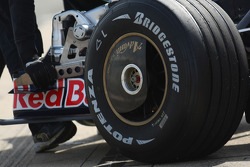 Sebastian Vettel, Scuderia Toro Rosso, STR03, Wheel cover detail