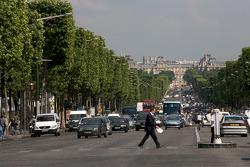 Visit of Paris: Avenue des Champs-élysées