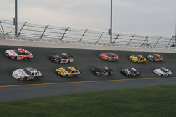 David Stremme and David Ragan lead a group of cars