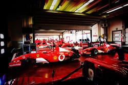 Ferrari F1 Clienti in the garage