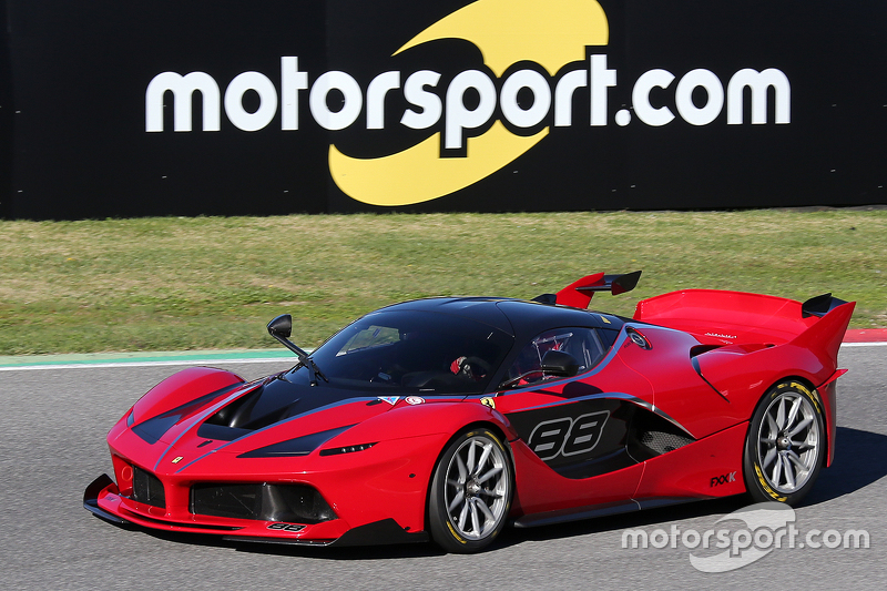ferrari fxx programme ferrari fxx k with signage at finali mondiali. Black Bedroom Furniture Sets. Home Design Ideas