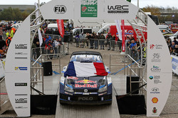 Volkswagen Motorsport Team pays respects to the victims of the Paris terrorist attacks