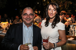 FIAWEC赛事总监爱德华多·弗里塔斯和其助理丽莎·克兰普顿