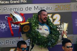 Podium: 1. und TCR-Champion 2016: Stefano Comini, SEAT Leon, Target Competition