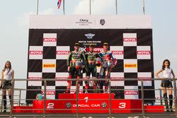 Podium: second place Tom Sykes, Kawasaki Racing Team, winner Jonathan Rea, Kawasaki Racing Team and third place Michael van der Mark, Honda WSBK Team