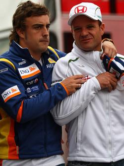 Fernando Alonso, Renault F1 Team and Rubens Barrichello, Honda Racing F1 Team