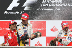 Podium: champagne for Lewis Hamilton, Nelson A. Piquet and Felipe Massa