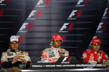 Press conference: race winner Lewis Hamilton, second place Nelson A. Piquet, third place Felipe Massa