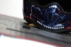 Scuderia Toro Rosso, pit crew helmet