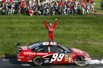 Winner Carl Edwards celebrates