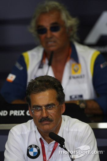FIA press conference: Dr. Mario Theissen, BMW Sauber F1 Team, BMW Motorsport Director and Flavio Briatore, Renault F1 Team, Team Chief, Managing Director