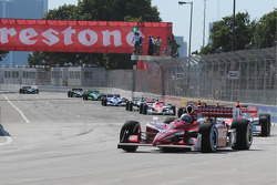 Restart: Scott Dixon leads the field