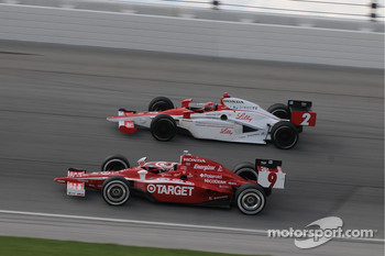 Scott Dixon and A.J. Foyt IV run together
